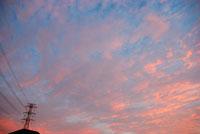 夕空と鉄塔 20021001150| 写真素材・ストックフォト・画像・イラスト素材|アマナイメージズ