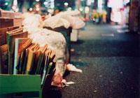 ごみ捨て場 20021001196| 写真素材・ストックフォト・画像・イラスト素材|アマナイメージズ