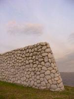 海辺の石壁
