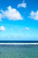 遠浅の海 20021001262| 写真素材・ストックフォト・画像・イラスト素材|アマナイメージズ