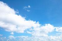 青空と白い雲 20021001268| 写真素材・ストックフォト・画像・イラスト素材|アマナイメージズ