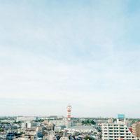 街と鉄塔 20021002722| 写真素材・ストックフォト・画像・イラスト素材|アマナイメージズ
