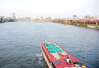 隅田川と船