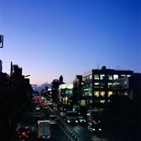 夕暮れの環八道路