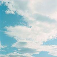 青空と雲 20021005681| 写真素材・ストックフォト・画像・イラスト素材|アマナイメージズ