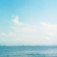 瀬戸内海より望む街 20021005684| 写真素材・ストックフォト・画像・イラスト素材|アマナイメージズ