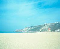 砂浜と空 20021005718| 写真素材・ストックフォト・画像・イラスト素材|アマナイメージズ