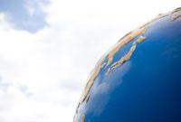 青空と地球儀