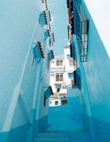 青い街 20021005958| 写真素材・ストックフォト・画像・イラスト素材|アマナイメージズ