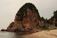 夕暮れに染まる蓬莱山 20021006988| 写真素材・ストックフォト・画像・イラスト素材|アマナイメージズ