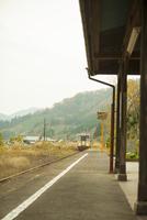 岩山駅へ入る電車