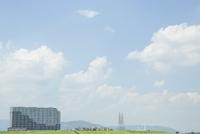 淀川河川公園から望む高槻市の街並み