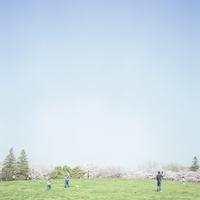 公園と桜 20021007133| 写真素材・ストックフォト・画像・イラスト素材|アマナイメージズ