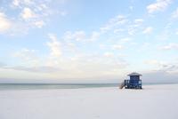 早朝のシエスタキーパブリックビーチ 20021007271| 写真素材・ストックフォト・画像・イラスト素材|アマナイメージズ