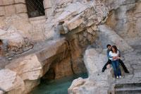Tourists at the Trevi Fountain 20023002749| 写真素材・ストックフォト・画像・イラスト素材|アマナイメージズ