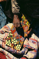 Walpari Tribe,dot painting,Close Up