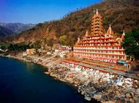 Hindu temple at Ganges river