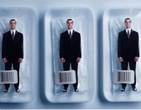Row of Businessmen in Shrink Wrapped Packages 20025045032| 写真素材・ストックフォト・画像・イラスト素材|アマナイメージズ