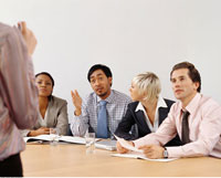 Business People in Meeting   20025158731| 写真素材・ストックフォト・画像・イラスト素材|アマナイメージズ