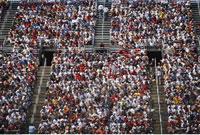 Crowd on Bleachers 20025186375| 写真素材・ストックフォト・画像・イラスト素材|アマナイメージズ
