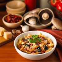 Chicken Pasta With PortobelloMushrooms 20025229332| 写真素材・ストックフォト・画像・イラスト素材|アマナイメージズ