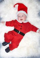 Baby Boy Dressed as Santa 20025233442| 写真素材・ストックフォト・画像・イラスト素材|アマナイメージズ