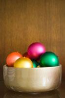 Bowl of Ornaments 20025246867| 写真素材・ストックフォト・画像・イラスト素材|アマナイメージズ