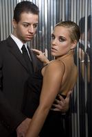 Young couple in evening wear 20025289415| 写真素材・ストックフォト・画像・イラスト素材|アマナイメージズ