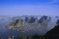 Ha Long (Ha-Long) Bay, UNESCO World Heritage Site, Hong Gai, Vietnam, Indochina, Southeast Asia, Asia