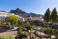 Mountain village of Tejeda with Roque Nublo in the background, Gran Canaria, Las Palmas, Canary Islands