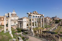 Roman Forum, Arch San Severus, Temple of Saturn, Temple of Vespasian and Titus with Santi Luca e Martina in the background, UNES 20025324122| 写真素材・ストックフォト・画像・イラスト素材|アマナイメージズ