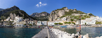 Scenic view of Amalfi and the Lattari Mountains, Province of Salerno, Amalfi Coast, Campania, Italy 20025324184| 写真素材・ストックフォト・画像・イラスト素材|アマナイメージズ