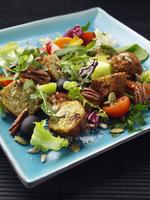 falafel salad 20025327347  写真素材・ストックフォト・画像・イラスト素材 アマナイメージズ
