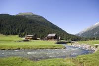 Austria, Krimmler Achental, Tauernhaus Guesthouse next to river
