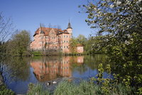 Germany, Upper Bavaria, Moated castle in taufkirchen an der vils