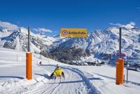 Switzerland, People tobogganing at Grison