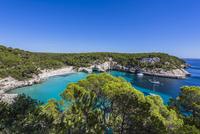 Spain, Balearic Islands, Menorca, Cala Mitjana 20025330205| 写真素材・ストックフォト・画像・イラスト素材|アマナイメージズ