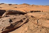 Algeria, Sahara, Tassili N'Ajjer National Park, Wind erosion on rocks at Tehak