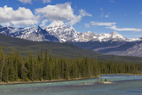 Canada, Alberta, Jasper National Park, Banff National Park, Icefields Parkway, Athabasca River