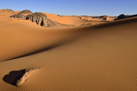 Algeria, Tassili n' Ajjer, Tadrart, Sahara, Tassili n' Ajjer National Park, view to sand dunes and rocks of Moul Nag