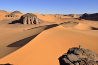 Algeria, Tassili n' Ajjer, Tadrart, Sahara, Tassili n' Ajjer National Park, view to the sanddunes and rocks of Moul Naga