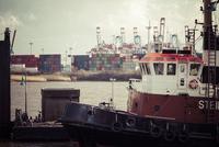 Germany, Hamburg, Port of Hamburg, Elbe river, Towboats