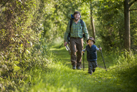 Germany, Rhineland-Palatinate, Moselsteig, father and his little son hiking