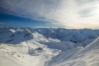 Germany, Allgaeu, Mountain panorama with Nebelhorn mountain and top station Hoefatsblick