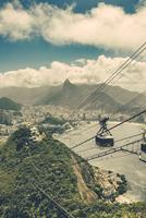 Brazil, Rio de Janeiro, Cable car from Morro da Urca to Sugarloaf Mountain