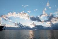 Sea at sunset 20025341952  写真素材・ストックフォト・画像・イラスト素材 アマナイメージズ