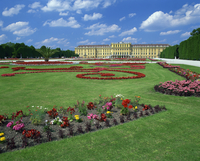 Formal gardens with flower beds in front of the Schonbrunn Palace, UNESCO World Heritage Site, Vienna, Austria, Europe