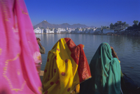 Women at the Hindu pilgrimage to holy Pushkar Lake, Pushkar, Rajasthan State, India, Asia