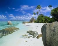 Granite outcrops on tropical beach, Anse Source D'Argent, La Digue, Seychelles 20025348269| 写真素材・ストックフォト・画像・イラスト素材|アマナイメージズ