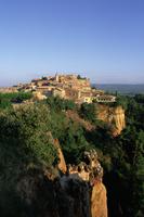 Village at sunrise, Roussillon, Vaucluse, Cote d'Azur, Provence, France, Europe